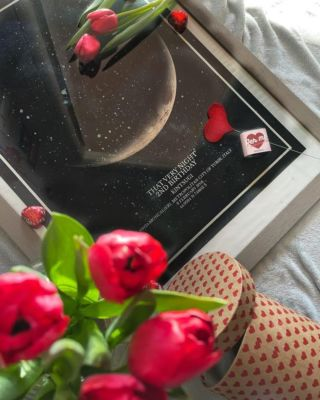 The perfect Valentine's gift idea to show your loved one how special they are 🥰...  📷  @ceunfottutoutenteconquestonome ...#thatverynightstudio #thatverynight #moonface #moonphase #memoriescherish #interior #thatveryinterior #valentines #valentinesgifts